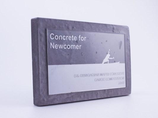 Concrete competition plaque for the newcomer participants
