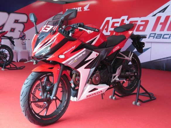 Honda cbr150r 2016
