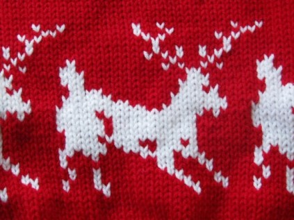 deer and snowflakes sweater (5)