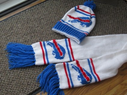 BUFFALO BILLS LOOK HAT AND SCARF