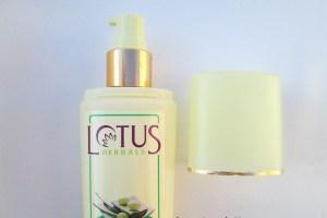 Lotus Herbals Alphamoist Alpha Hydroxy Skin Renewal Oil-Free Moisturiser Review