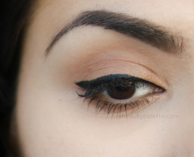 Beyu Eyeliner in No.10 Deep Black : Waterproof - Swatch (I'm not wearing any mascara on top lid)