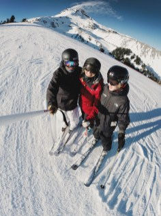 skiingfuncrewhood