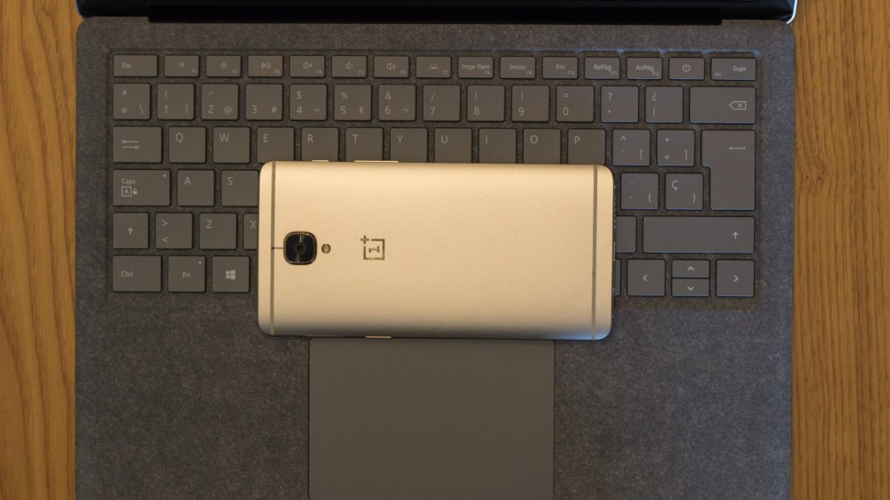 Surface Laptop vs OnePlus 3