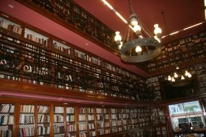 La magnifique bibliothèque de l'alliance Française