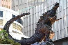 Shin_Godzilla_statue_at_HIBIYA_Chanter_April_28,_2018_04