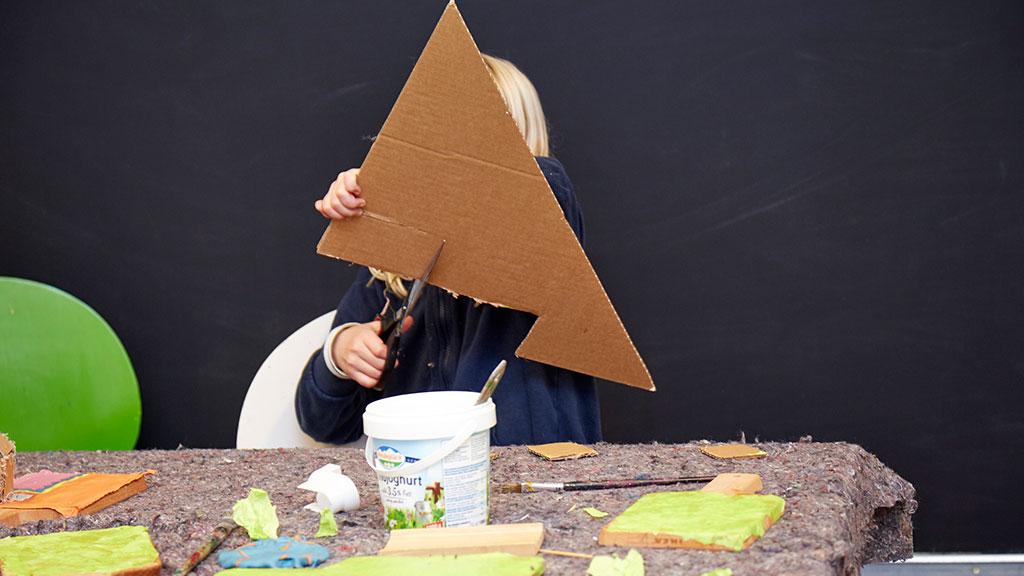Seit dem 25. Mai können die offenen Ateliers des Kunst- und Kreativzentrums Young Arts Neukölln wieder von Kindern und Jugendlichen besucht werden