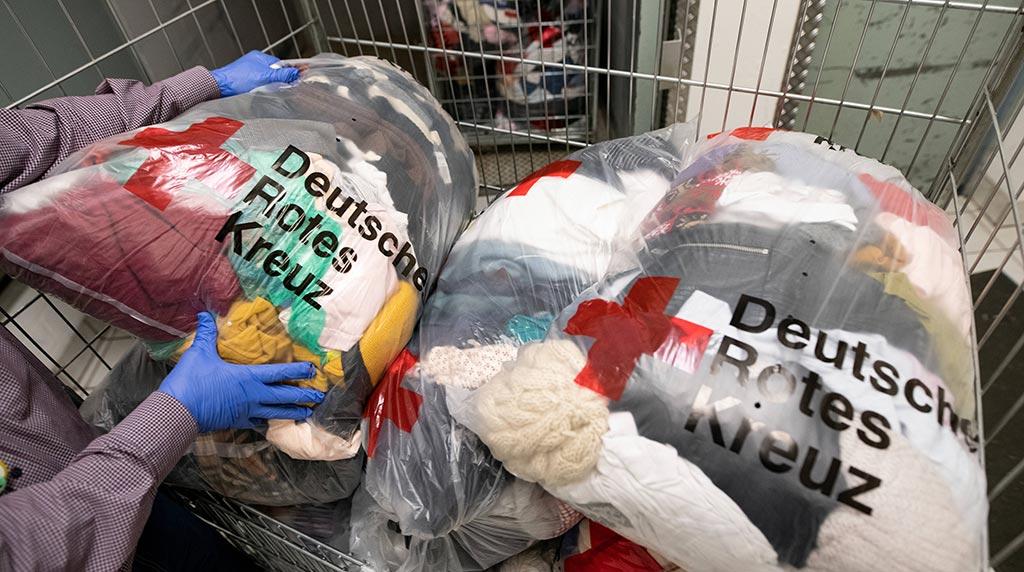 Berlin-Marzahn: Kleiderkammern bieten Extra-Öffnungszeiten an