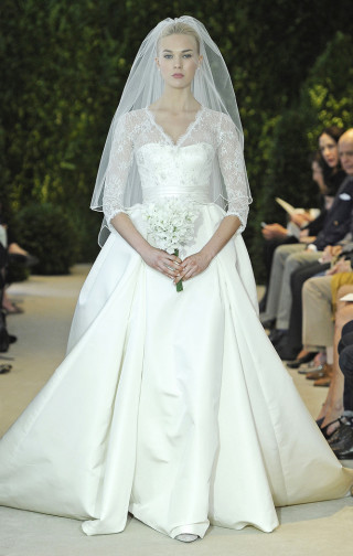 Brautkleid Spitzenärmel, Carolina Herrera