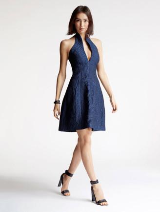 Neckholder Kleid mit Stehkragen - Cocktailkleid