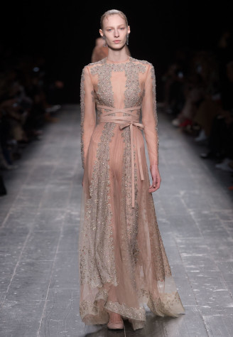 Langarm Ballkleid, nude, bestickt, Valentino