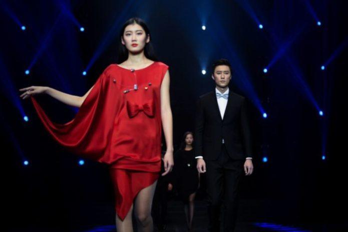Rote Cocktailkleider Pierre Cardin 2018