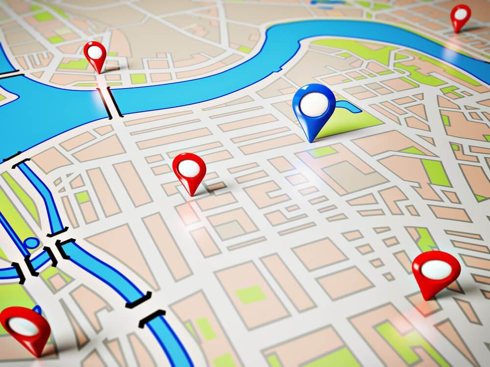 Imagem de um mapa com algumas marcações de ponto comercial