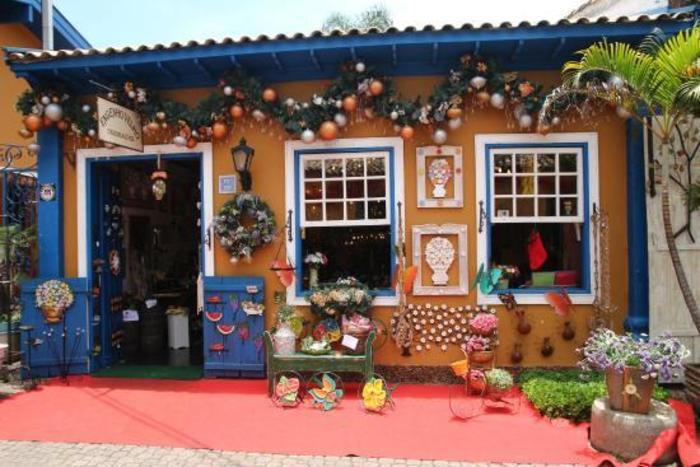 Fachada de loja em Embu das Artes, representando abrir empresa em Embu das Artes - Abertura Simples