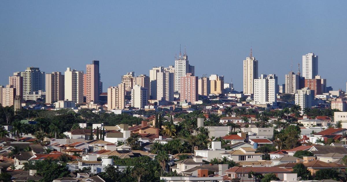 foto da cidade com alguns prédios ao fundo, representando abrir empresa em presidente prudente