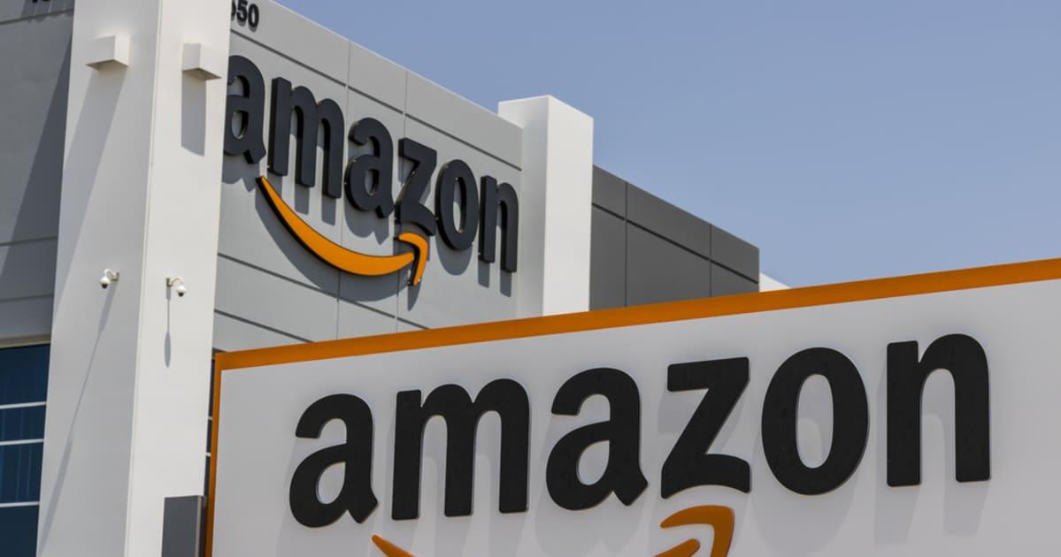 foto de um prédio da empresa, representando como a Amazon incentiva empreendedores