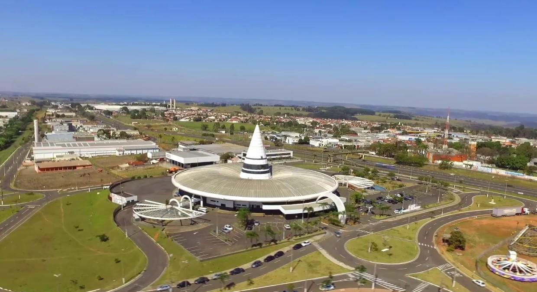 foto aérea da cidade, representando como abrir empresa em Marília