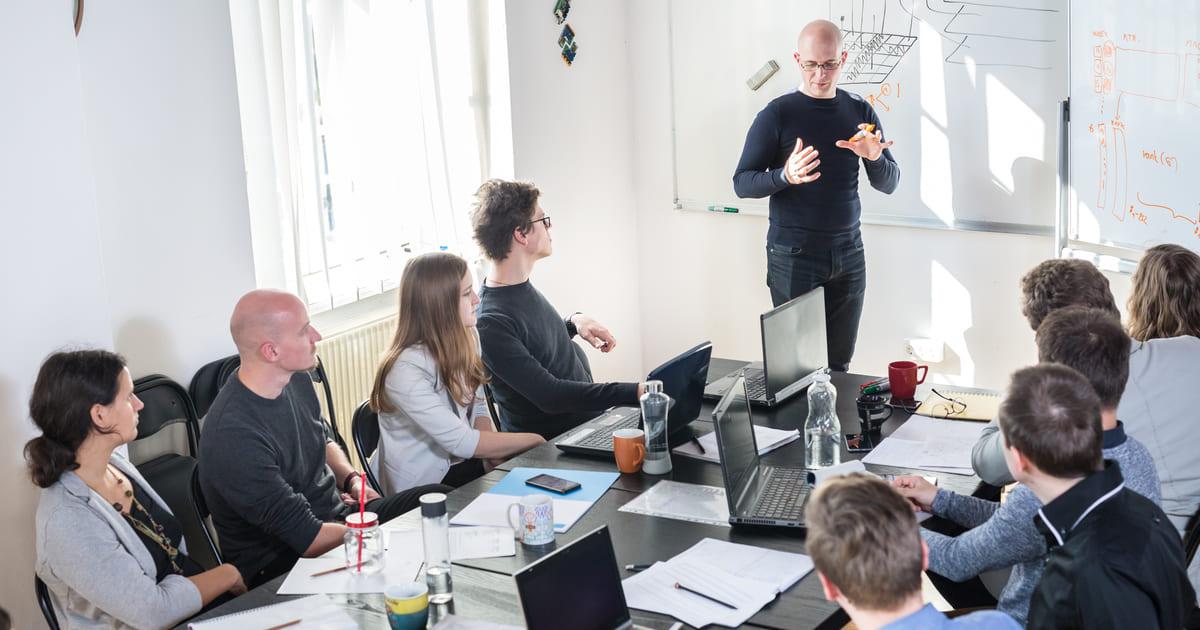 Imagem de um empreendedor falando sobre o Programa Centelha