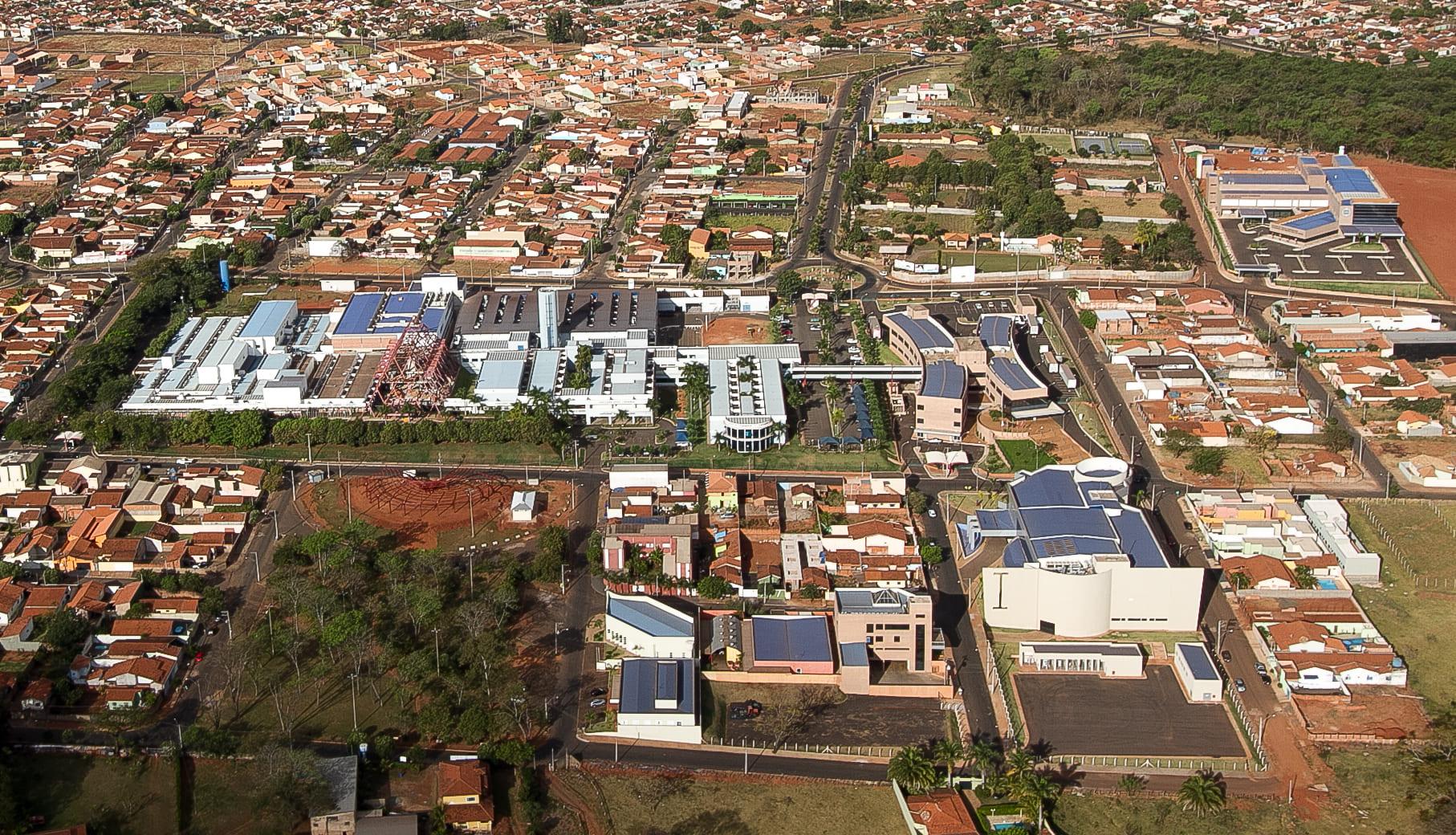 Imagem área do hospital símbolo da cidade para remeter ao empreendedor que está em busca de um escritório de contabilidade em Barretos