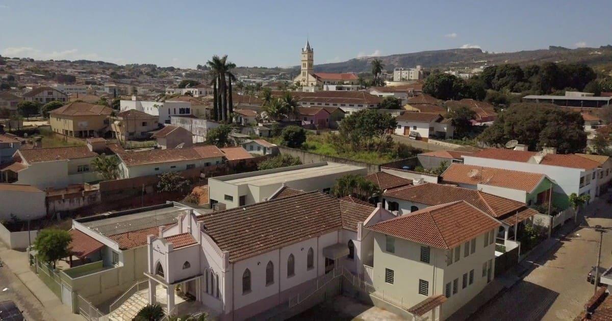 foto da cidade, representando a contabilidade em alpinópolis