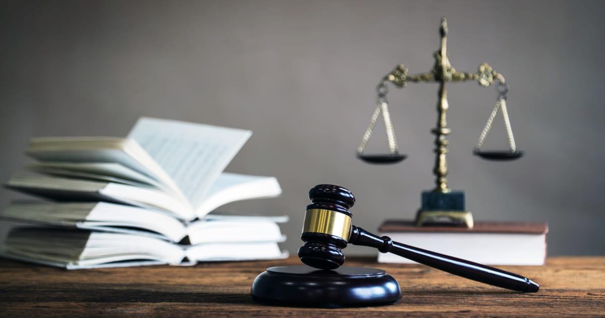 Imagem constituída com elementos de Direito. representando a Contabilidade para Advogados