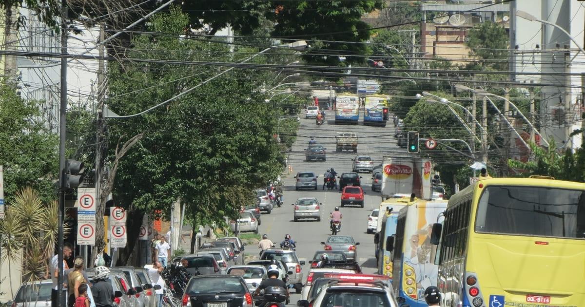 foto de avenida da cidade, representando a contabilidade em divinópolis