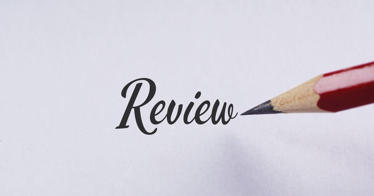 Imagem da palavra revisão para inspirar quem deseja saber como montar um serviço de revisão de textos