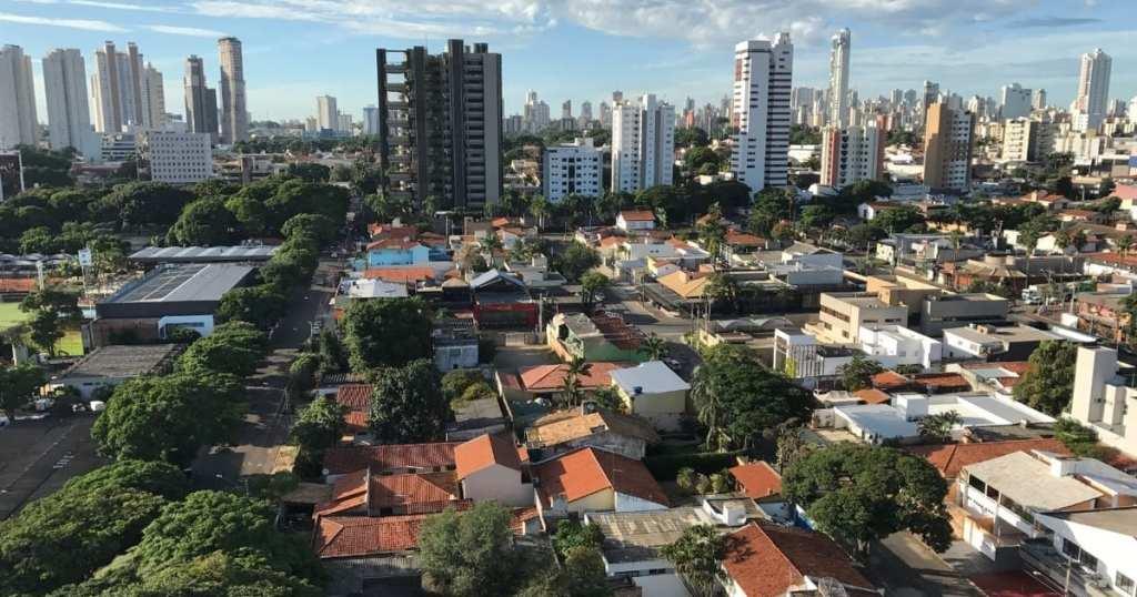 foto de cima da cidade, representando como abrir empresa no setor marista