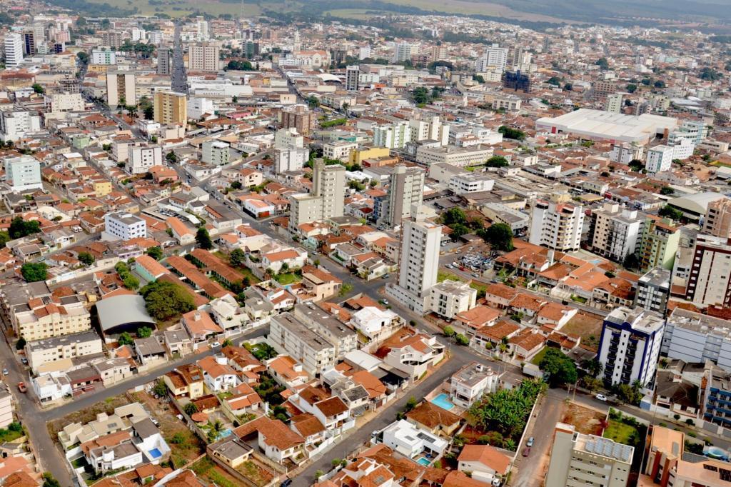 Foto aérea da cidade, representando a contabilidade em patos de minas