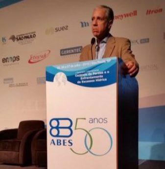 O presidente nacional da ABES, Dante Ragazzi Pauli, durante o encerramento do evento