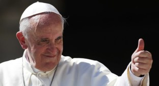 thumbs up-POPE-FRANCIS