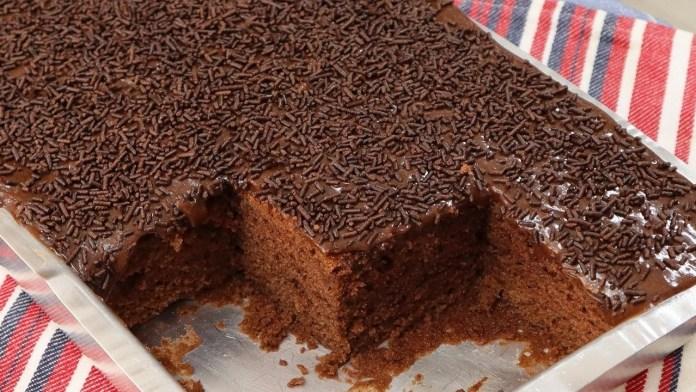 bolo de chocolate, simples e fácil de fazer