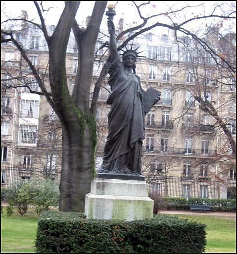 Liberty Jardin Du Luxembourg