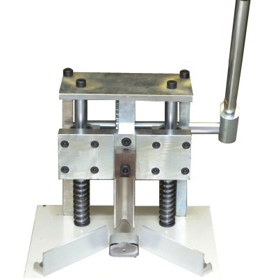 Corner Cutter - Heavy in Corner Cutter for use in office stationery products and supplies