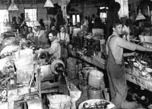 Men in factories 1900s