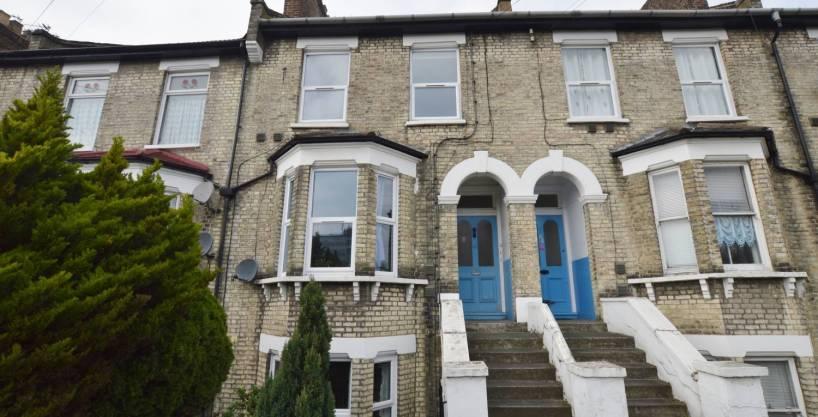1 Bedroom Flat, Kingswood Road, Leytonstone, E11 1SF