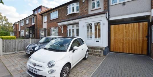 Hawkwood Crescent, North Chingford, London, E4 7PJ