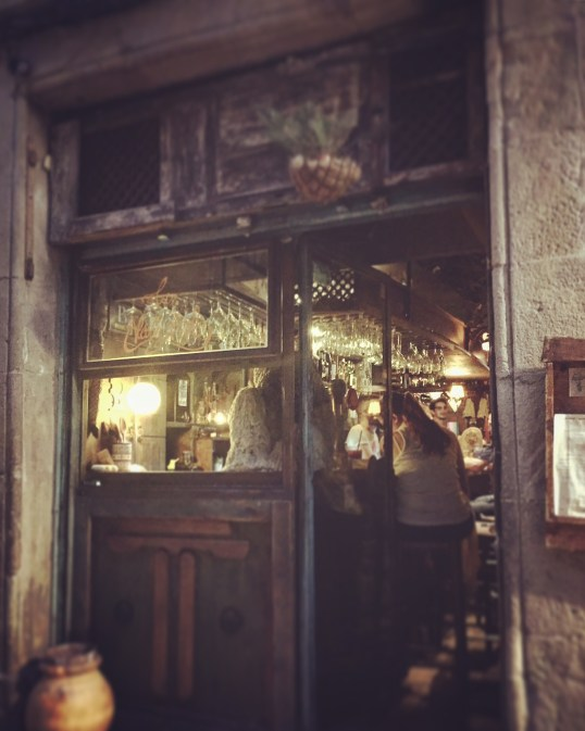 bar restaurant eating the Gothic Quarter of Barcelona Spain Catalonia/Catalunya tips and tricks a city break guide