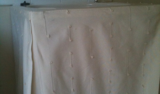 DIY Sink Curtain