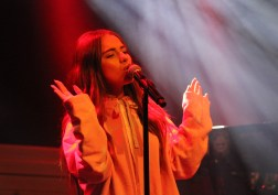Tayá at Melkweg. Photo by Michiel Vos, A Bit of Pop Music.