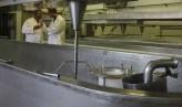 Eén van de productiezalen van kaasmakerij Duroux
