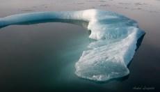 Eis mit unterirdischem Anteil