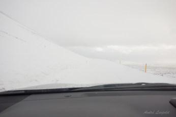 Straße auf dem Rückweg - Leitplanken sind unzulässige Hilfestellungen