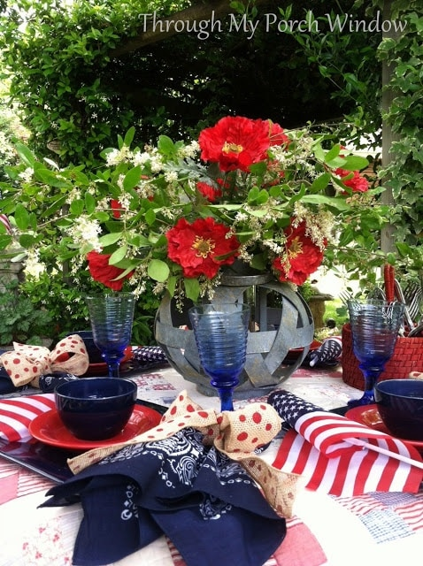 15 Fabulous Patriotic Tablescapes