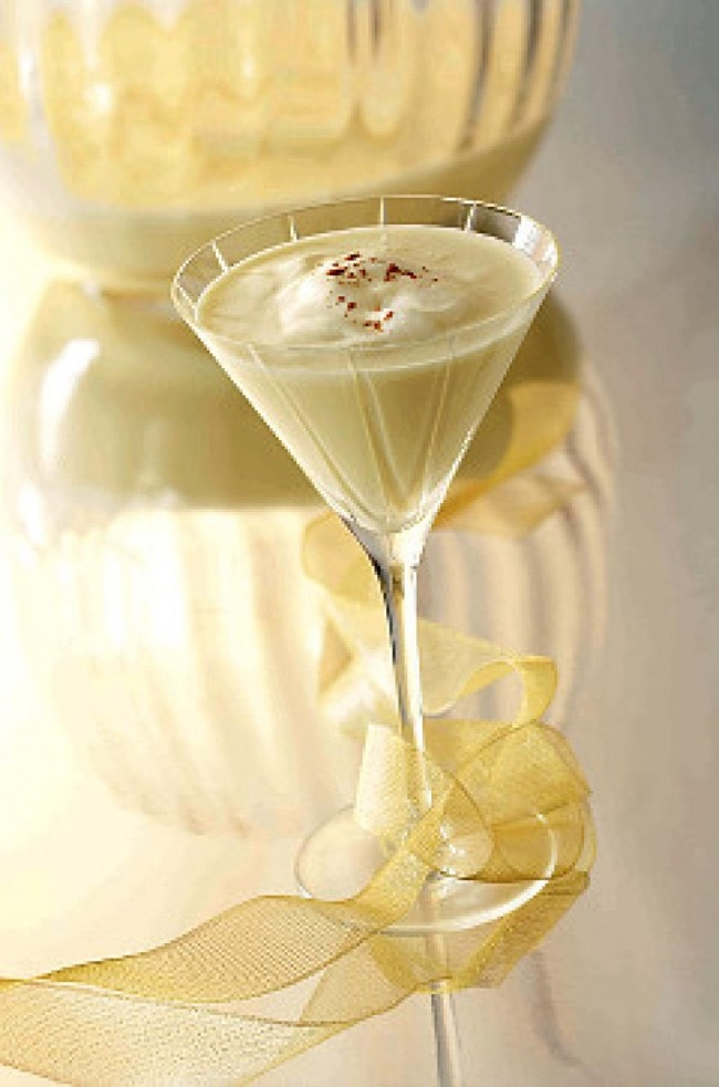 Egg Nog Martini Holiday Cocktail