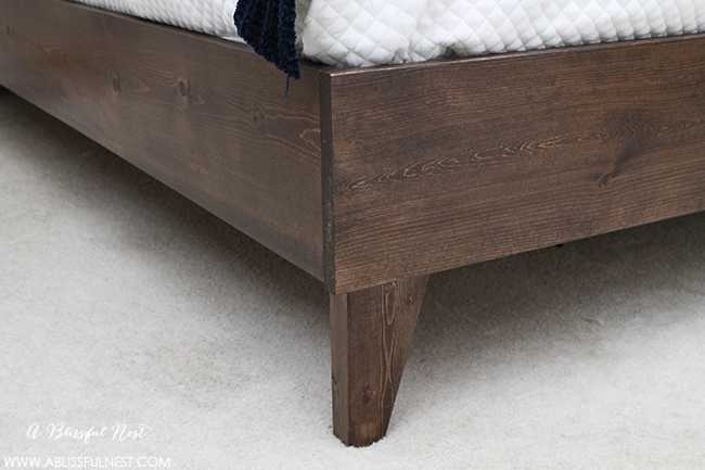 Looking for the quality and comfort for your guest bedroom? We've got THE perfect bed for you from one of the top bedroom retailers! This gel memory foam mattress will have your guests resting in luxurious comfort while they are away. Get 15% off with our coupon too! Via A Blissful Nest - http://bit.ly/1No5foU