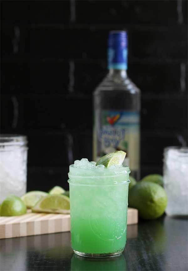 Shark Bite Cocktail, 20 Best Summer Cocktails
