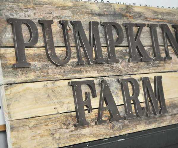 DIY Pumpkin Farm Pallet Sign