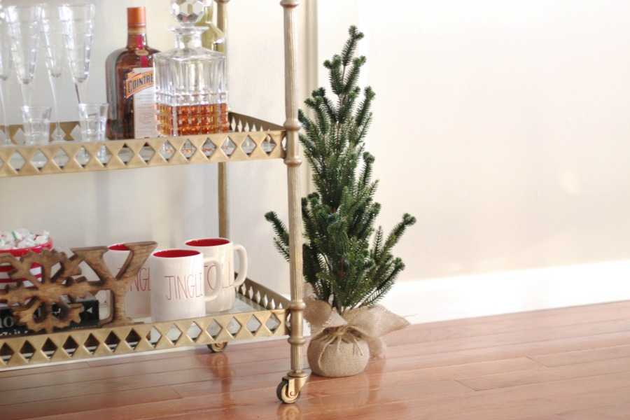 5 Simple Tips to get your Home Holiday Ready! See more at http://.ablissfulnest.com/ #HolidayDecor #Christmas #HolidayHome