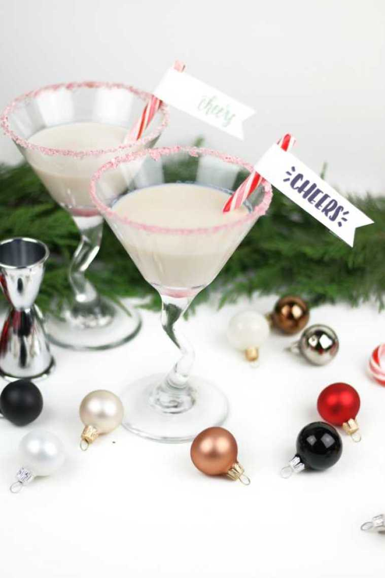 Ring in the New Year with these 10 Delicious New Years Eve Cocktail Ideas! See more at https://ablissfulnest.com/ #cocktails #NewYearsEve #Entertaining
